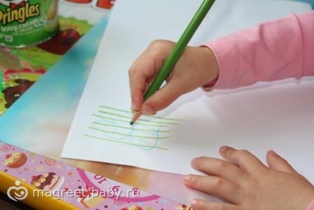 Рисование карандашом от года до 2 лет