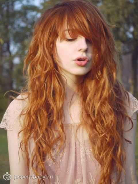 каре на пушистые волосы фото